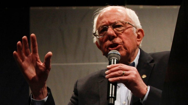 Sanders' defense of Castro stirs outrage among Latino voters