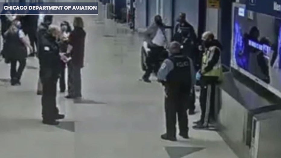 Arrest of Chicago's alleged O'Hare airport squatter caught on video