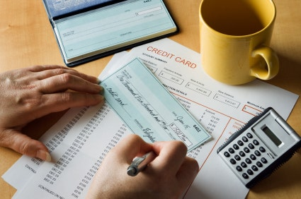 Xero vs quickbooks the battle for your small business accounting fox small business center - Facily pay oney ...