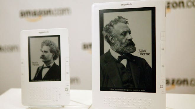 Amazon Kindle and Kindle DX Side-by-Side