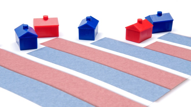 Toy houses above housing market mortgage rates