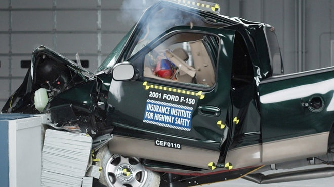 Auto-Test-Crash-Ford-F-150