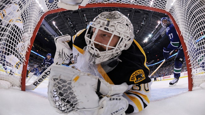 Boston-Bruins-Goalie