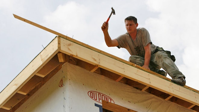 Building-Home-Construction-Worker-02