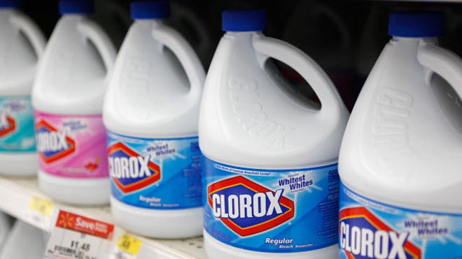 Clorox-bleach-bottles-Store-shelf