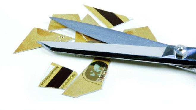 CreditCardCutScissors
