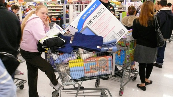 Customers-Shopping-Cart-Full-Retail-Store