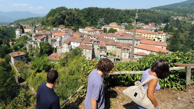 Italy-Tuscan-village