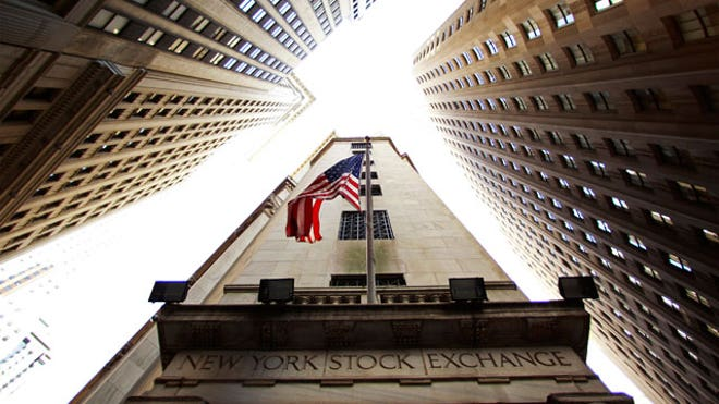 New-York-Stock-Exchange-Building-Looking-Up12