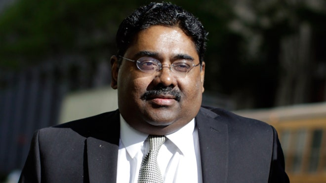Raj Rajaratnam Arrives at Court