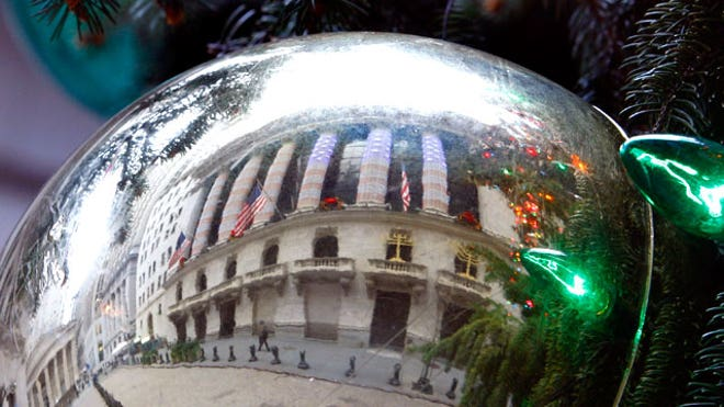 Reflection-of-NYSE-on-Christmas-Ornament