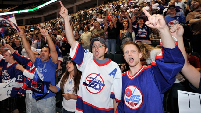 Winnipeg-Jets-hockey-fans