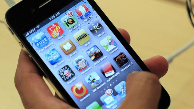iPhone-4-Apple-Apps-Closeup