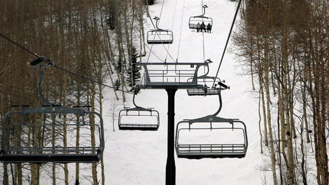 ski-lift-empty