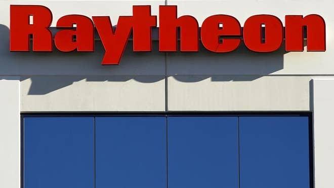2013-04-25T143427Z_1_CBRE93O14HH00_3_USA-RAYTHEON.JPG