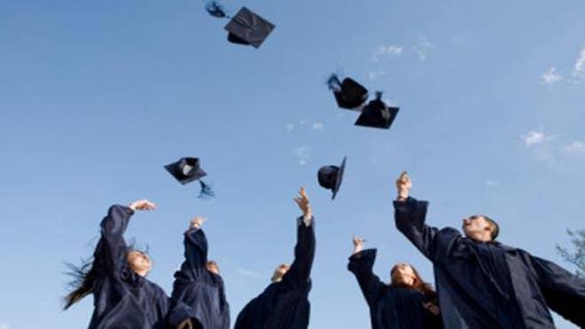 graduation-hats-spot-trading.jpg