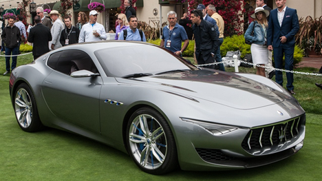 Maserati and Alfa Romeo are quickly expanding their dealer networks in the U.S., as the Italian brands race to meet ambitious sales targets.