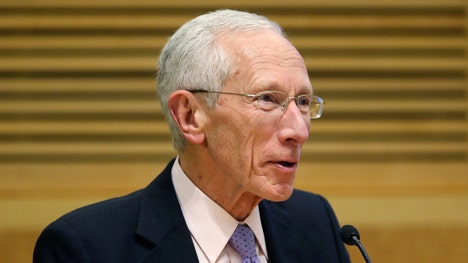 Federal Reserve Vice Chairman Stanley Fischer leaves door open for a Fed rate increase in September in Jackson Hole, Wyoming speech.
