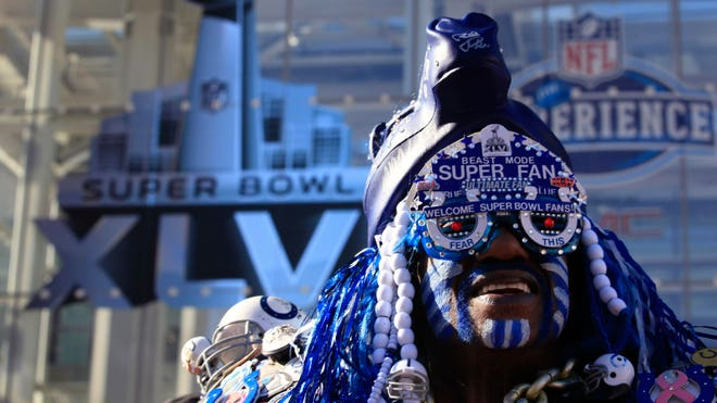 Super Bowl 2012 Football Fan reuters