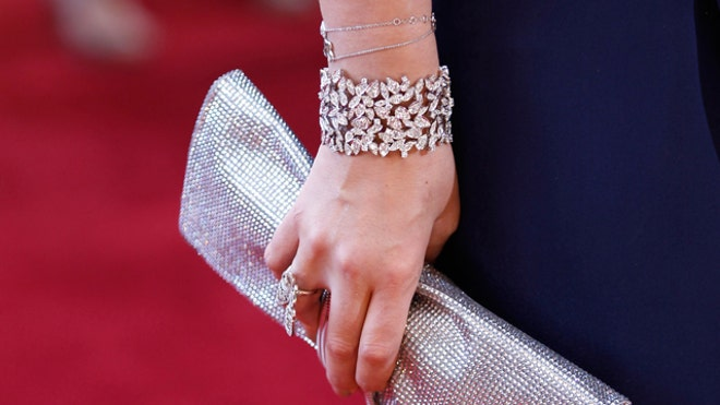 Purse & Jewelry, Reuters