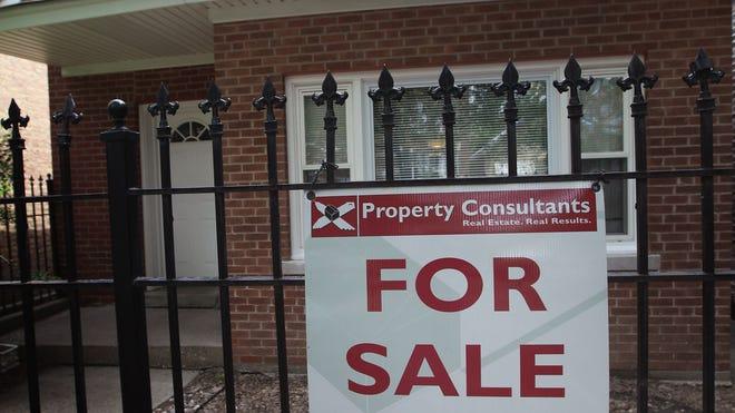 house_sale_sign.jpg