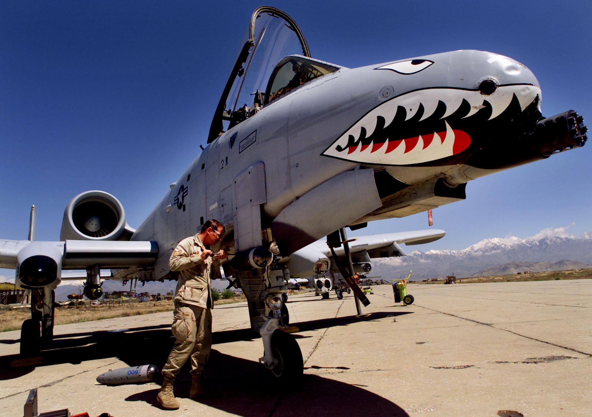 A 10 Warthog 11 amazing A-10...