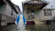 Ten years after Hurricane Katrina wrought devastation on the Gulf Coast, the federal government still lacks a comprehensive strategy to tackle floods, engineering experts warn.