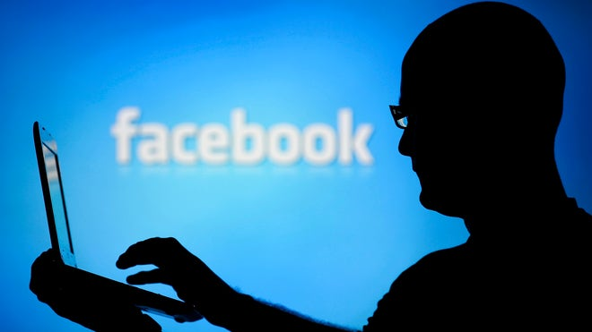 Kim Komando shares how you can stop advertisers from tracking you on Facebook.