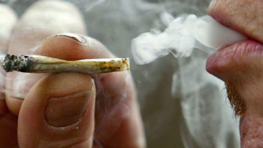 660_smoking_joint.jpg