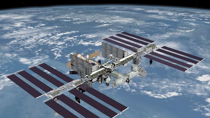 InternationalSpaceStationEarth.jpg