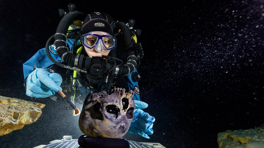 Ancient skeleton of teenage girl sheds new light on first Americans