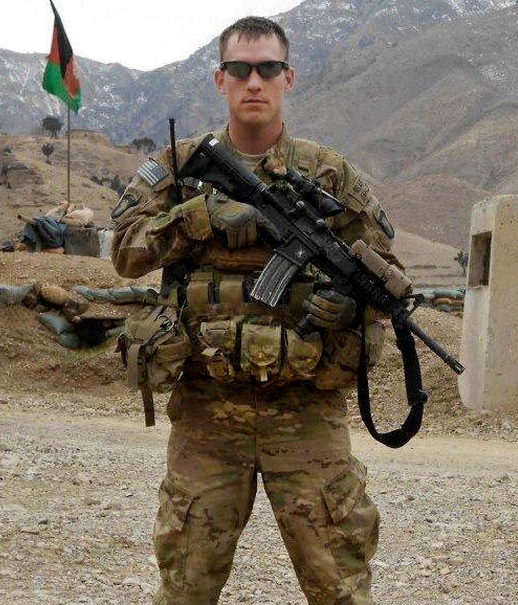 Afghan teen fatally st...