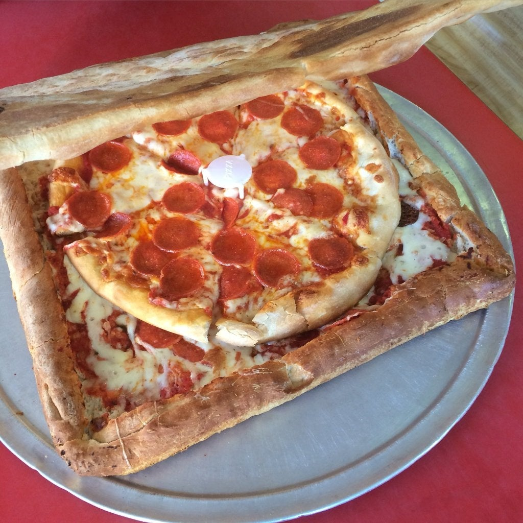New York pizzeria creates edible pizza box out of pizza