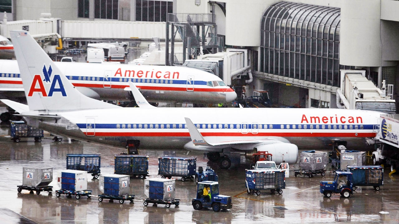 American Airlines now offering free real-time luggage tracking