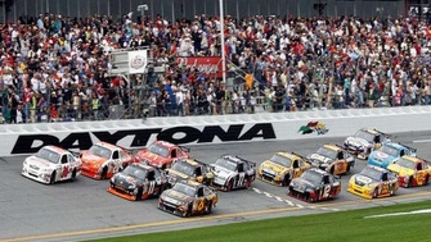 0211-Daytona-500-Primary_20100211141605_335_220
