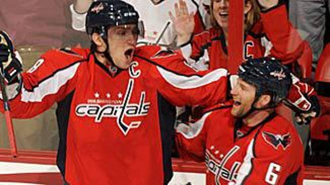 ovechkin_caps_celebrates_030111_325x183