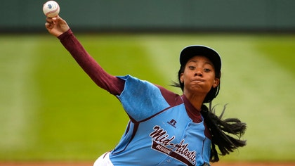 Mo'Ne Davis fell short in her bid Wednesday night to follow-up on her smashing performance in the Little League World Series.