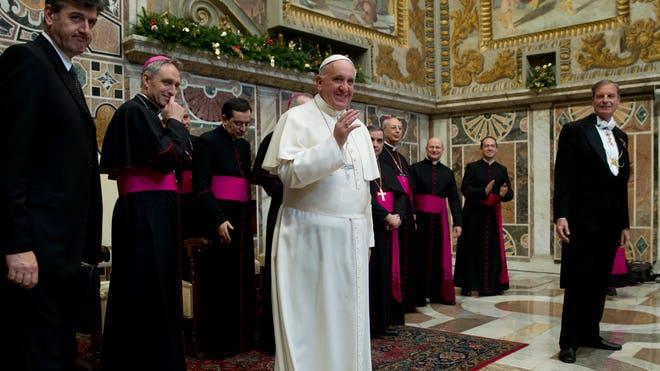 Vatican Pope_Leff(1).jpg