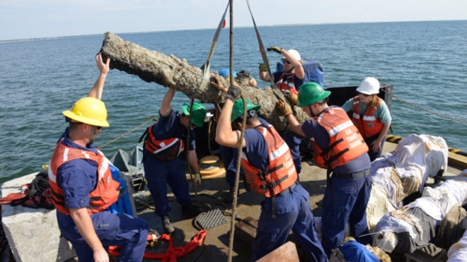 Archaeologists recover 5 cannons from wreck of Blackbeard's ship
