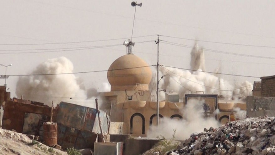 ISIS destroys shrines and mosques, may be targeting Mecca