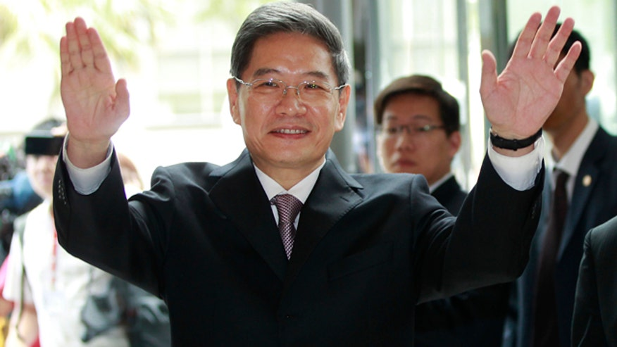 China sends government minister to Taiwan for first time ever