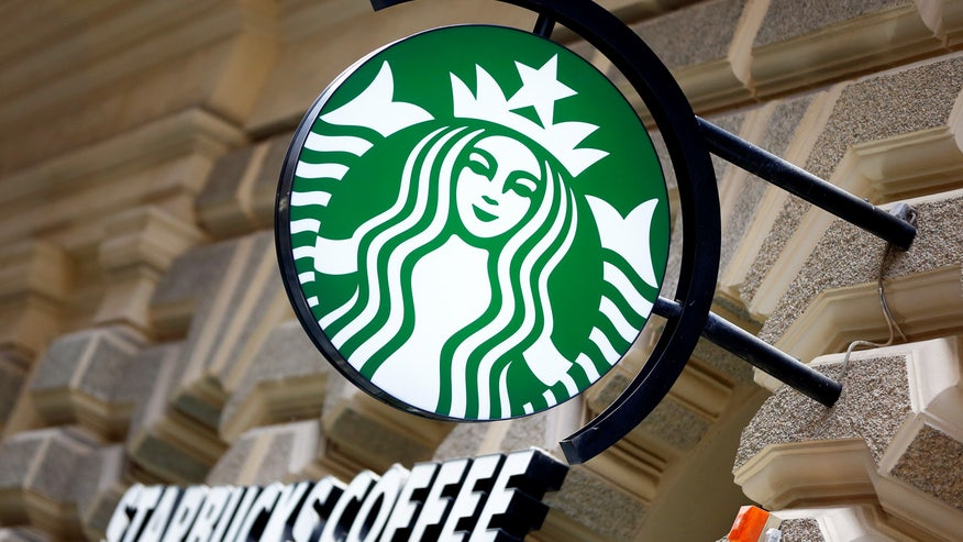 Trump supporters troll Starbucks with #TrumpCup