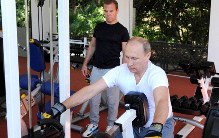 [Image: PutinMedvedev83115.jpg?ve=1&tl=1]
