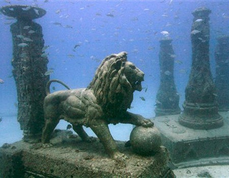 Podvodne skulpture - Page 3 1_21_051008_cemetery1