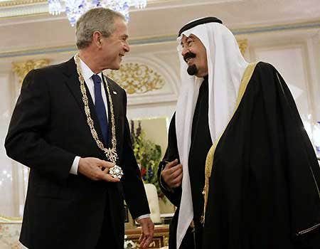 New Boss, Same as the Old Boss, George Bush receives gold chain from Saudi King just like Barack Obama.