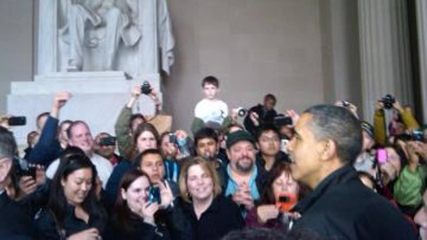 Obama Visits Lincoln Memorial After Shutdown Averted Fox News