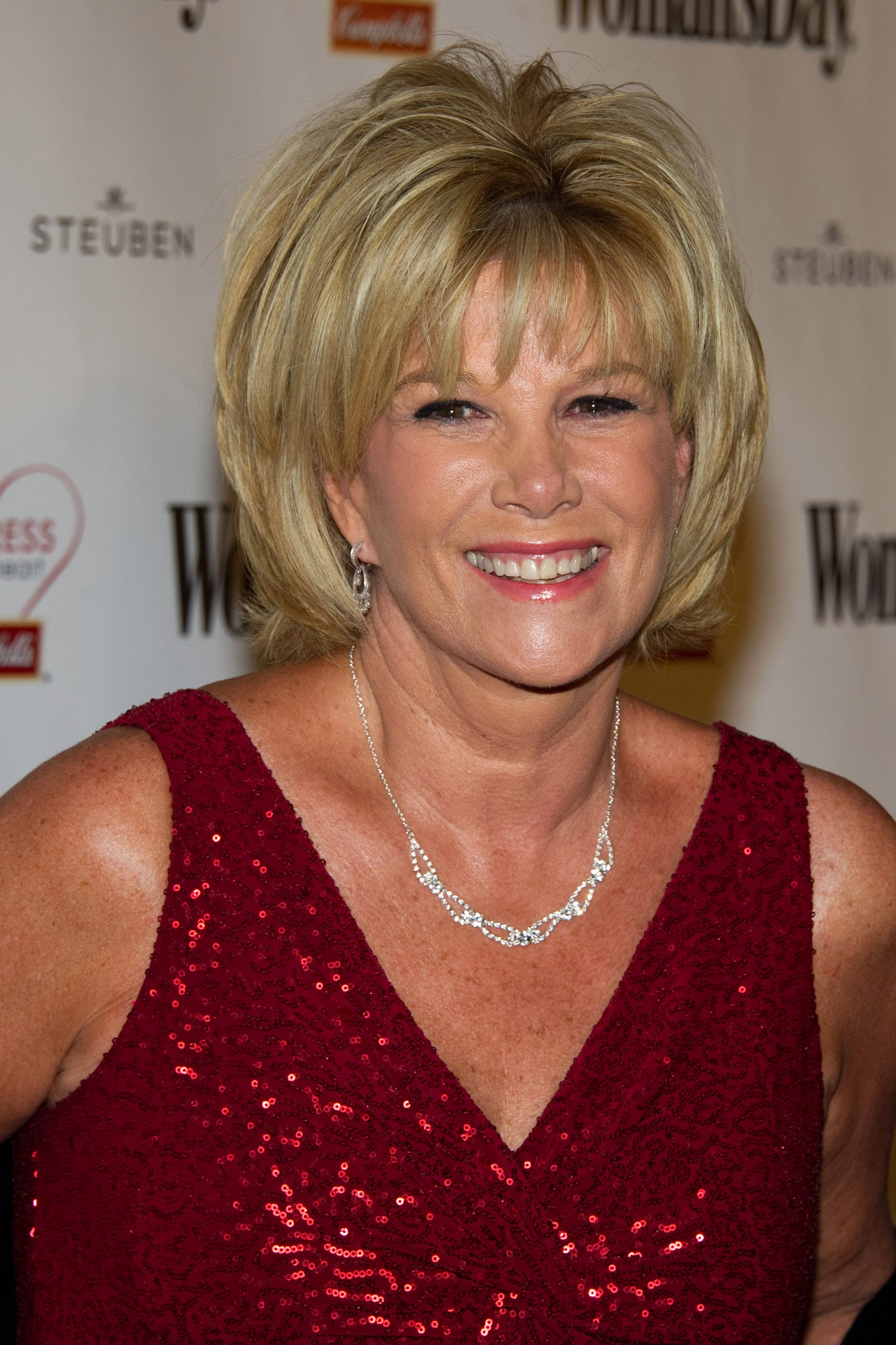 Joan Lunden earned a  million dollar salary - leaving the net worth at 25 million in 2018