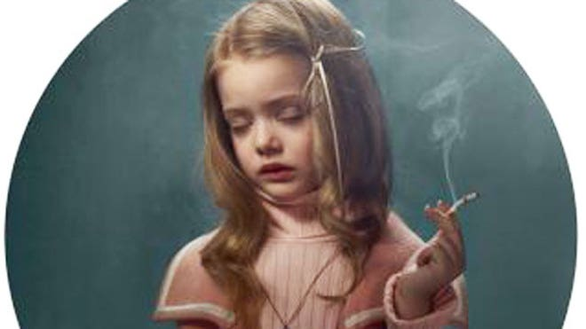 Child Models Shown Smoking in Hollywood Inspired Photographs | Fox