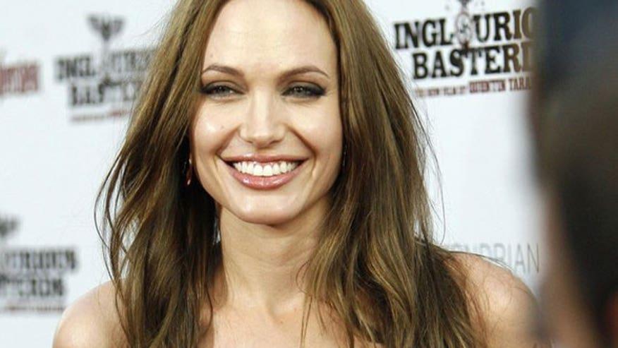 Angelina Jolie 640