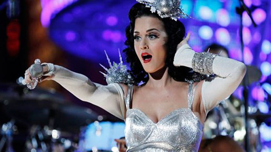 Katy Perry Performance 640